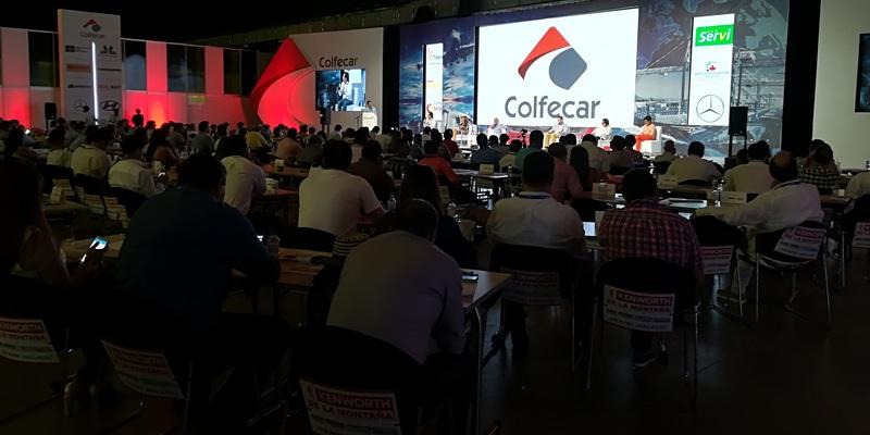La Puerta Colombia en el Congreso de Colfecar